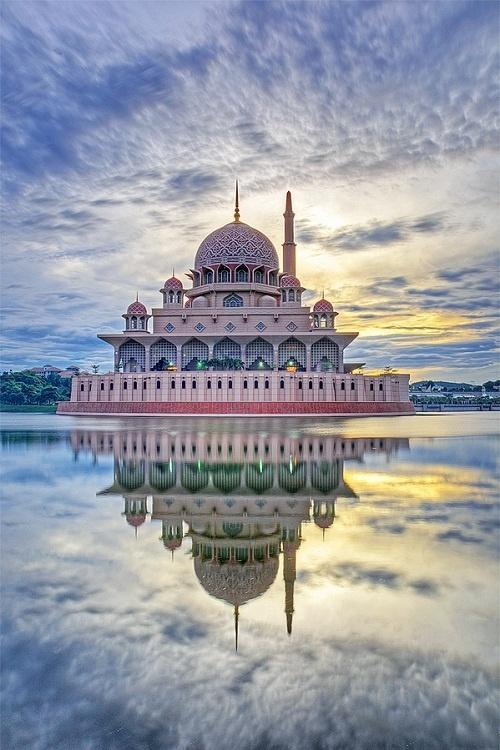 MOST BEAUTIFUL MOSQUES (MASJIDS) OF THE WORLD Part 2 Beautiful Masjid On Water