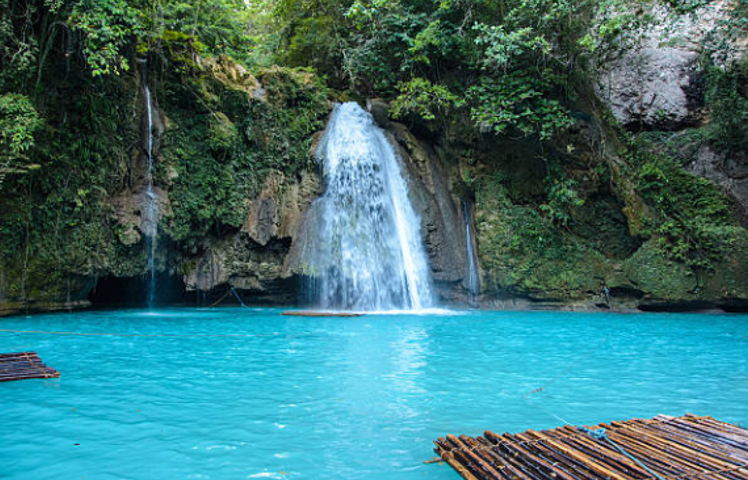 The Ultimate Guide to Kawasan Falls: Canyoneering in Cebu