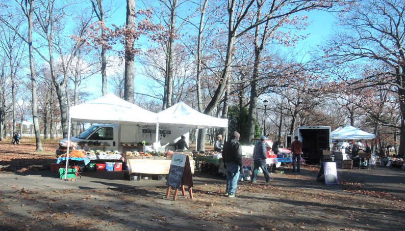 Saturday morning at the Deering Oaks farmers market