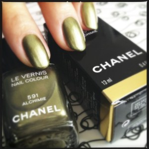 Chanel Le Vernis in 591 Alchimie