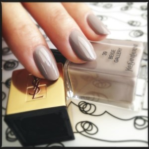 YSL La Lacque Couture in N° 39 Beige Gallery Read