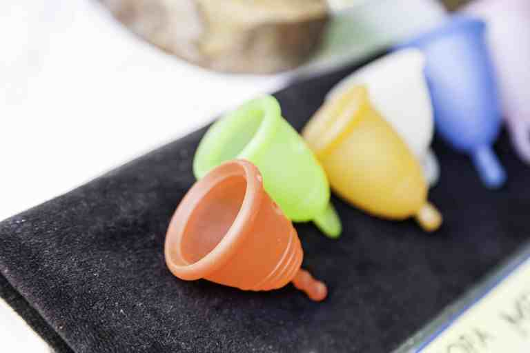 Menstrual cup in diferent colors