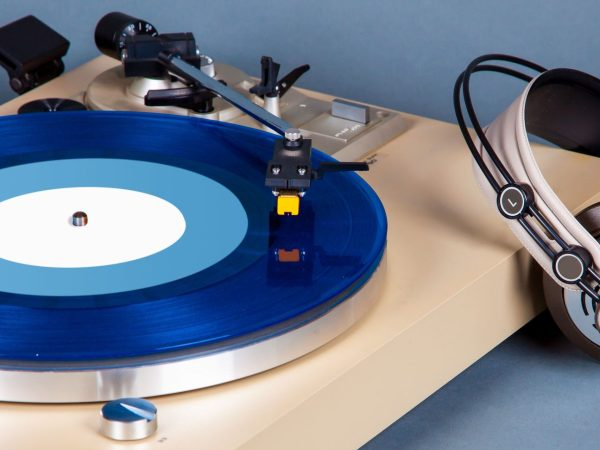 Analog Stereo Turntable Vinyl Record Player with Blue Disk and H