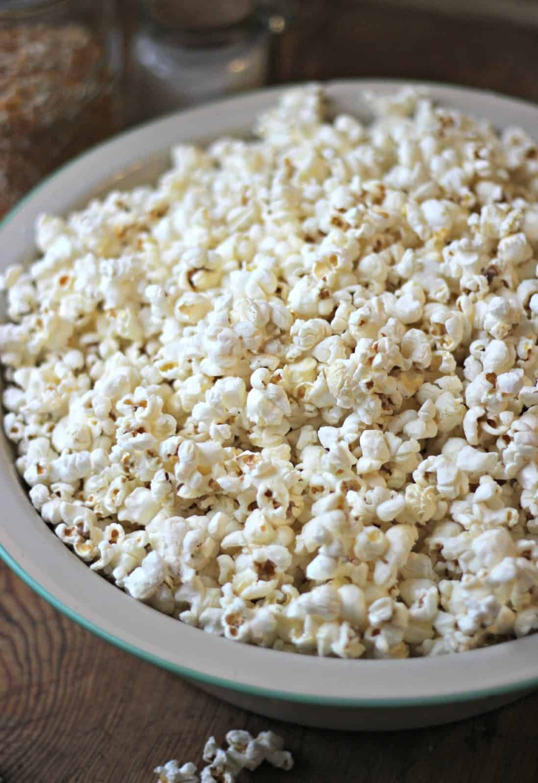How to make popcorn at home yourself. 1Necessary ordinary corn beans or cooked And how to make popcorn
