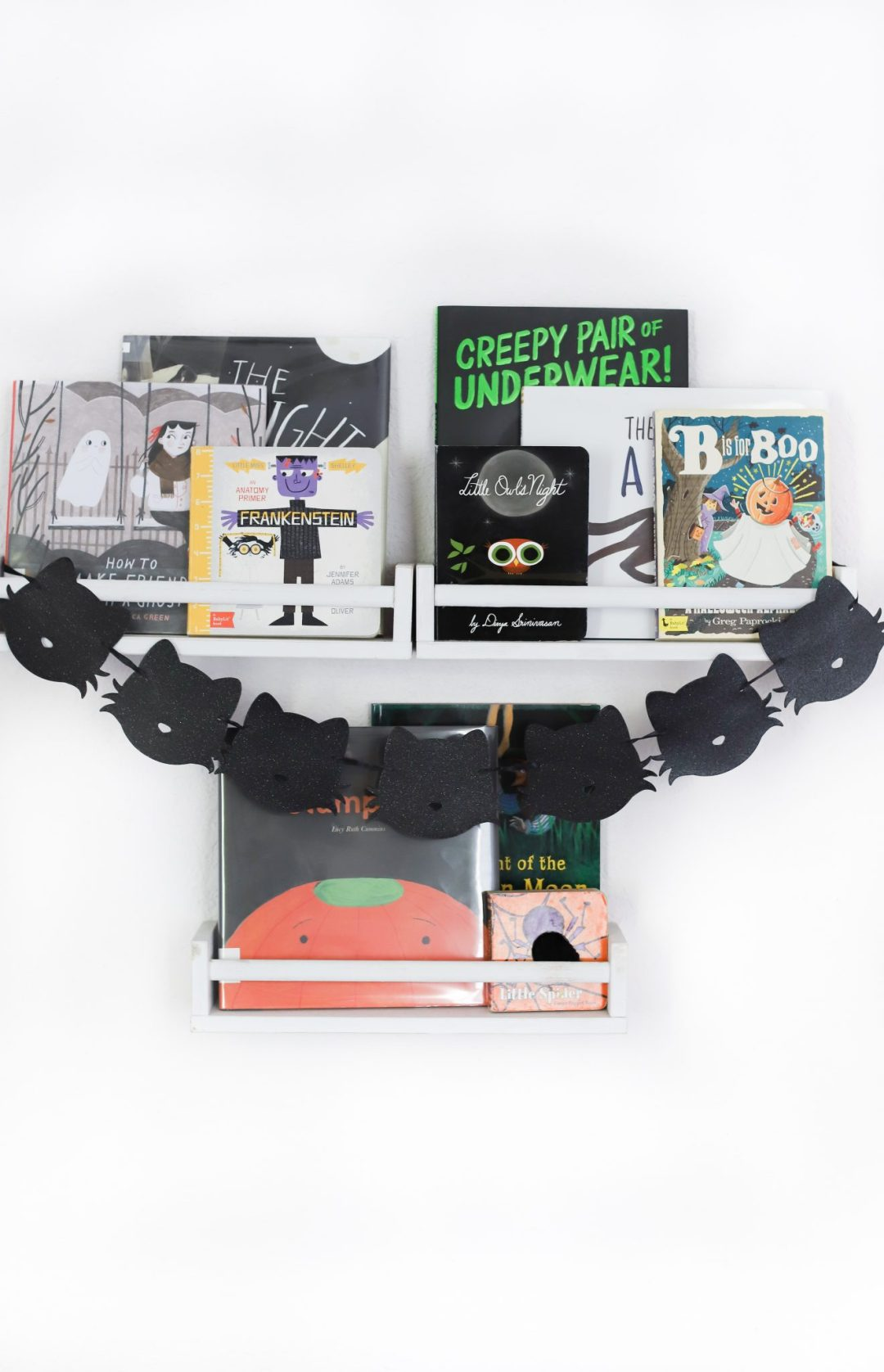 Halloween book nook with some of my favorite halloween books for kids
