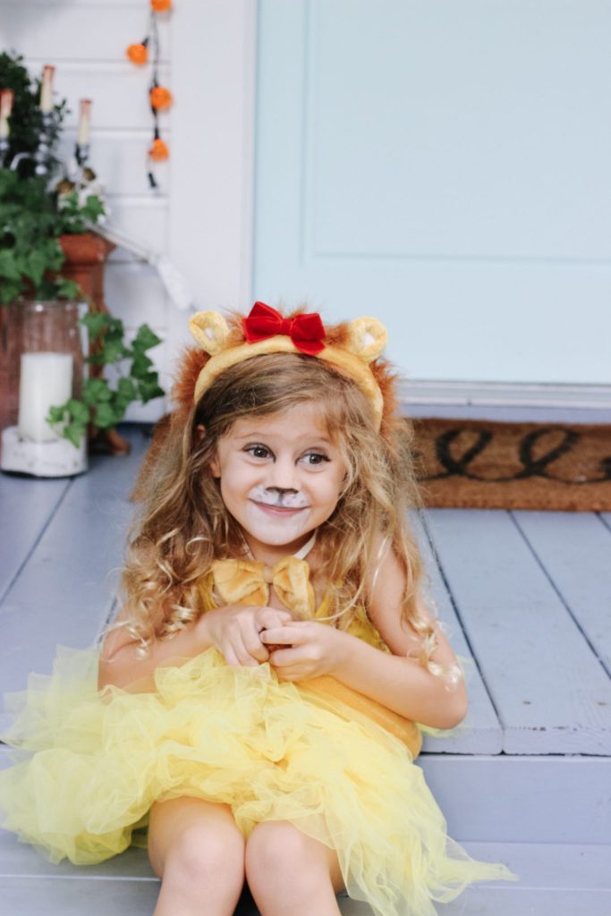 wizard of oz cowardly lion little girl costume