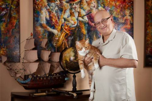 Leonid Afremov with his cat 2