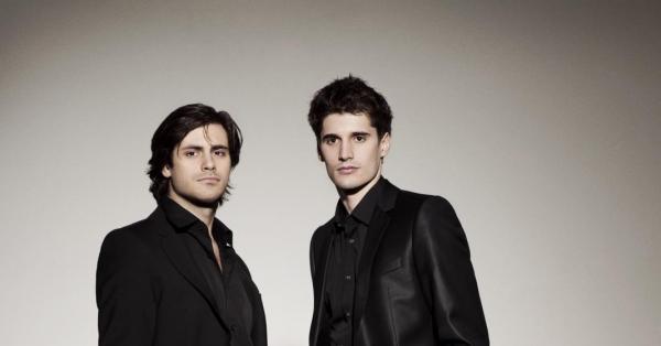 2 Cellos  The Trooper Overture e Tour in Italia  The Great Complotto Radio