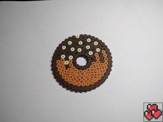 donut-2-sous-bock-pixelart-pixelcraft-pixelbeads-perlerbeads-perlerart-hama-hamabeads-hamasprites-artkal-artkalbeads-fusebeads-retro-gaming-sprite-design-tutoriel-pattern