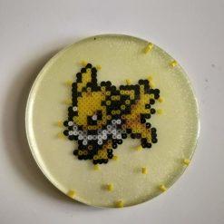 voltali-resine-dessous-verre-produit-pokemon-pixel-set-base-card-tgc-pokemoncard-pixelart-pixelcraft-pixelbeads-perlerbeads-perlerart-hama-hamabeads-hamasprites-artkal-artkalbeads-fusebeads-retro-gaming-sprite-design-tutoriel