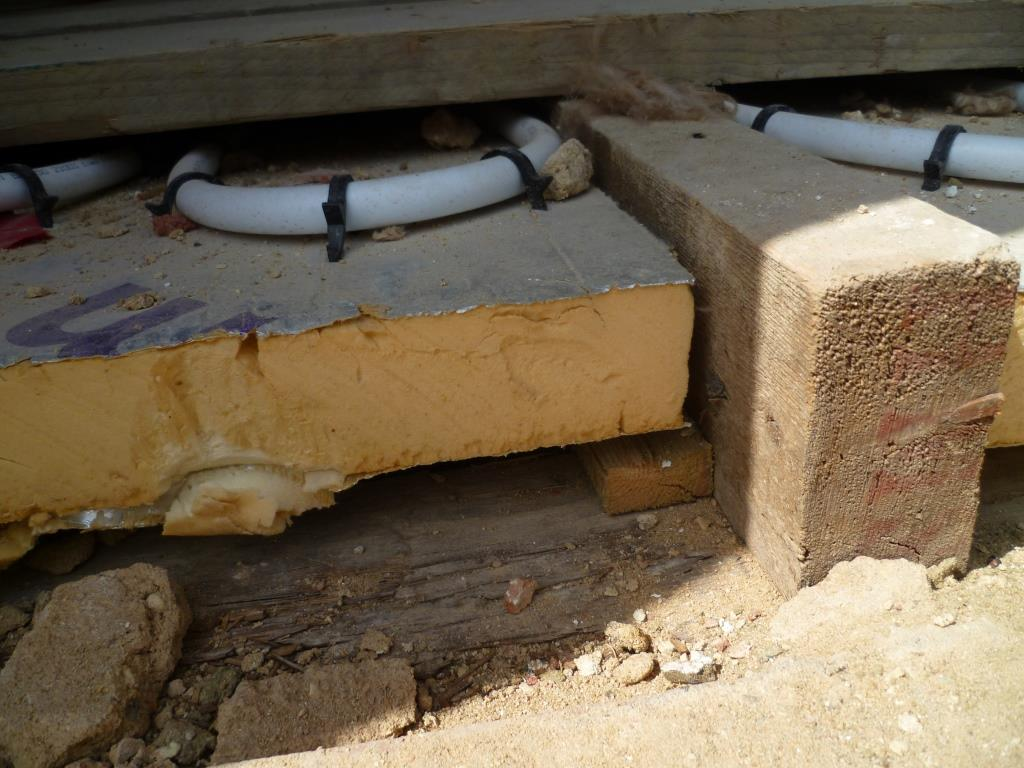 hight resolution of insulating a timber floor