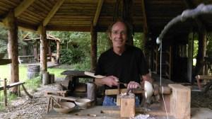Daan de Leeuw; vakman, professioneel houtberker en eigenaar van The Green Circle - Workshops in de Natuur