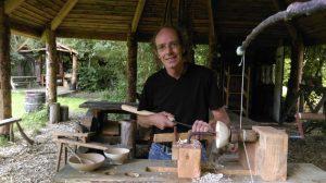 Daan de Leeuw; vakman, professioneel houtbewerker en eigenaar van The Green Circle - Workshops in de Natuur