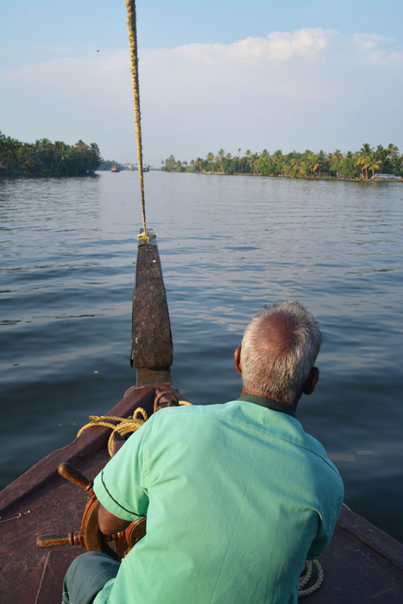 09_Kerala-Blog-Express_Backwaters-Alappuzha_Houseboats-Lakes-and-Lagoons