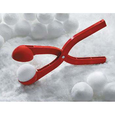 https://i0.wp.com/www.thegreenhead.com/imgs/sno-baller-snow-ball-maker-3.jpg
