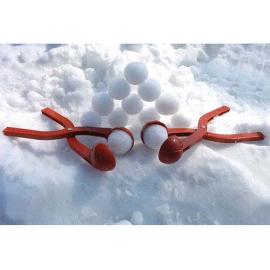 https://i0.wp.com/www.thegreenhead.com/imgs/sno-baller-snow-ball-maker-6.jpg