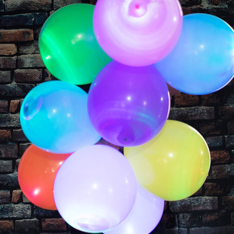 LED LightUp Balloons  The Green Head