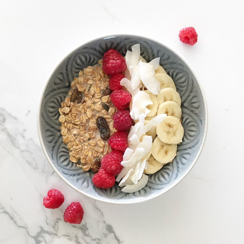 vegan muesli bowl