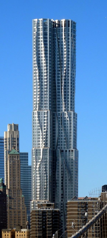 In Spotlight - Architect Frank . Gehry Strange