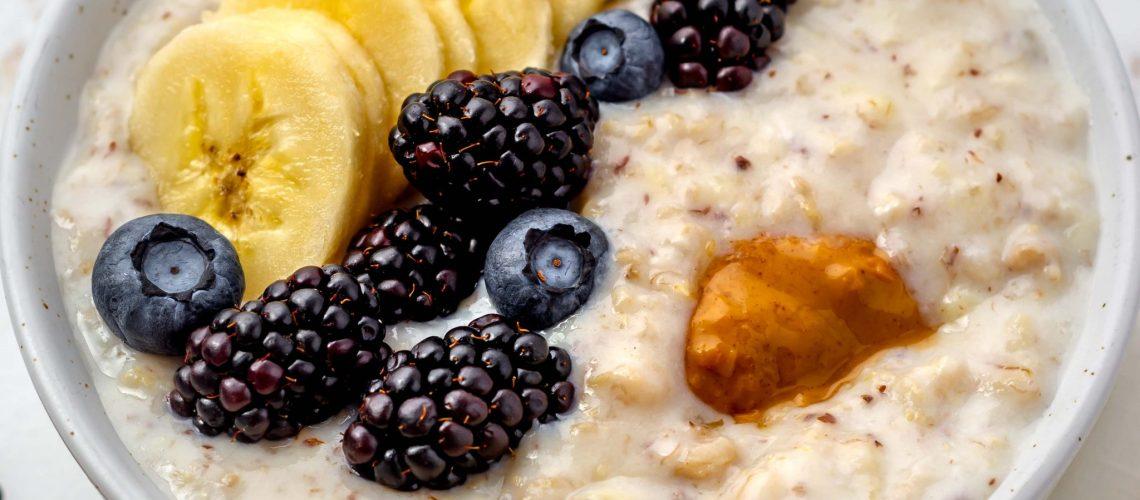 creamy vegan oats porridge