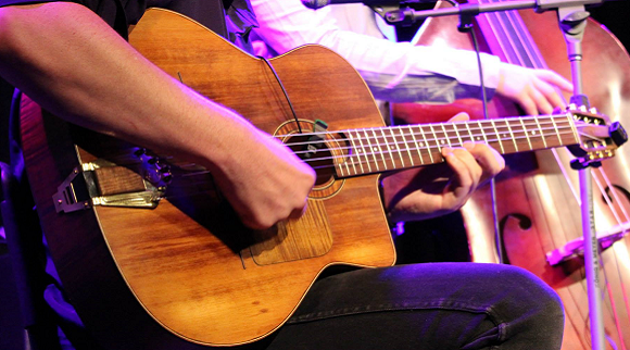 An Introduction To Gypsy Jazz Lead Guitar Feature Image