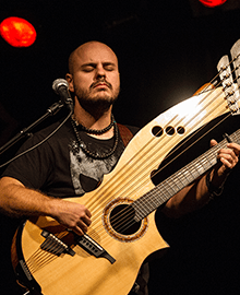 Andy McKee - Top 25 Fingerstyle Guitar Players