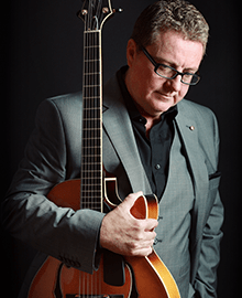 Martin Taylor - Top 25 Fingerstyle Guitar Players