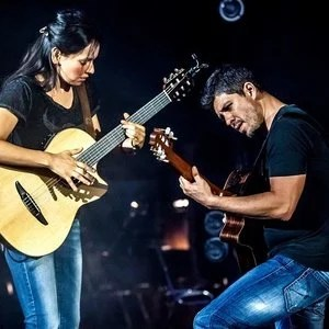 Rodrigo y Gabriela - Top 25 Fingerstyle Guitar Players