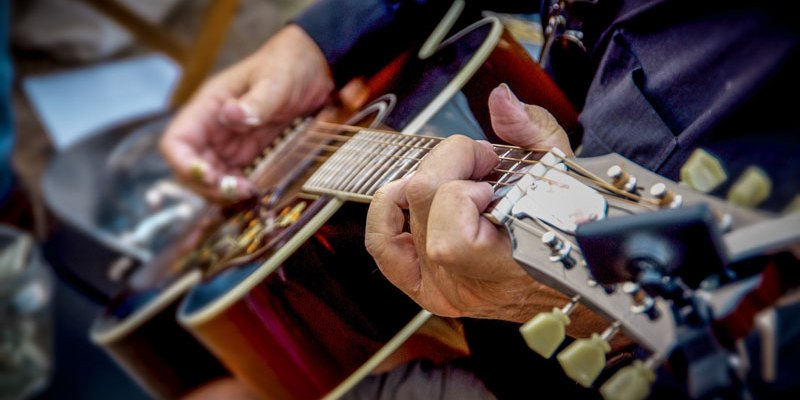 7 Popular Finger Picks to Clarify Your Fingerpicking