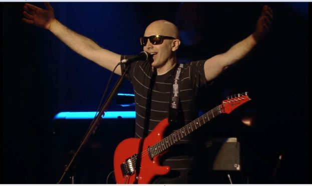 Unstoppable Momentum, joe satriani is rapidly moving