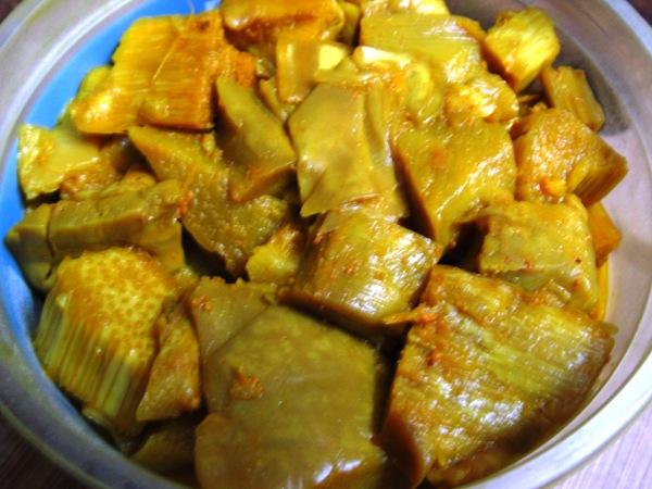 Fermented bamboo shoot (tama)