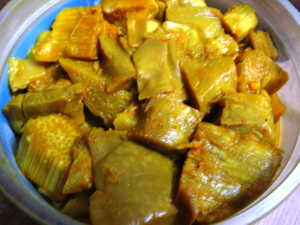 Fermented bamboo shoot (tama)