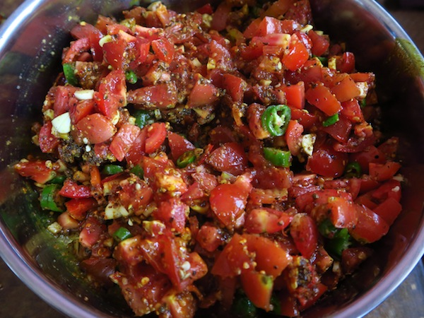 tomato pickle mixture