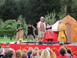 Open Air Theatre  - The Emperor's New Clothes @ Raadhuis De Paauw