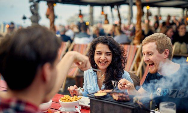 Zanzibar Beachclub – 'Cook it yourself' BBQs at the Scheveningen beach