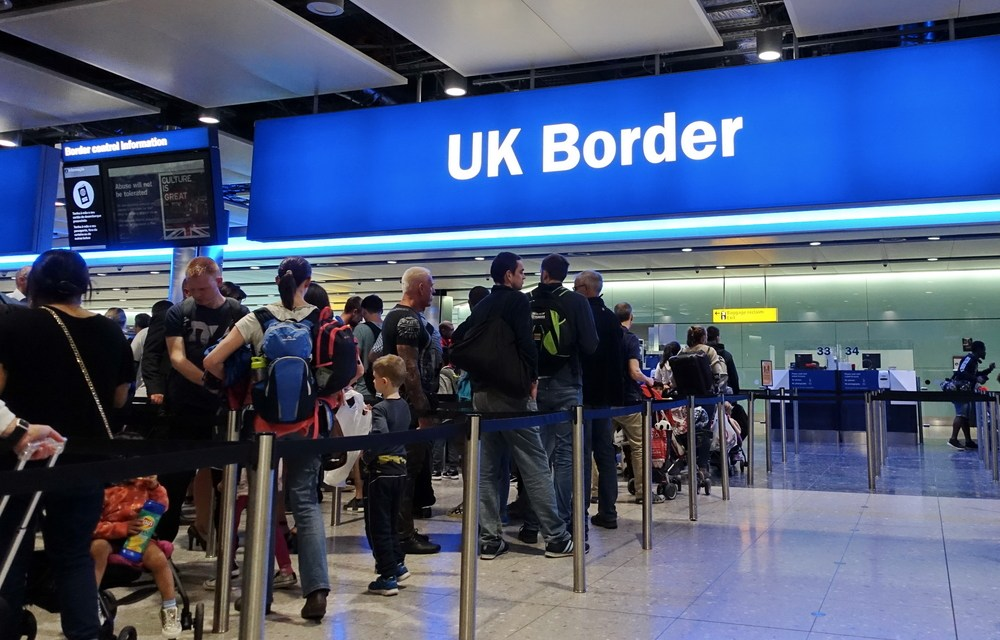 Fewer Dutch Move to Britain, but Brits Keep on Coming to NL
