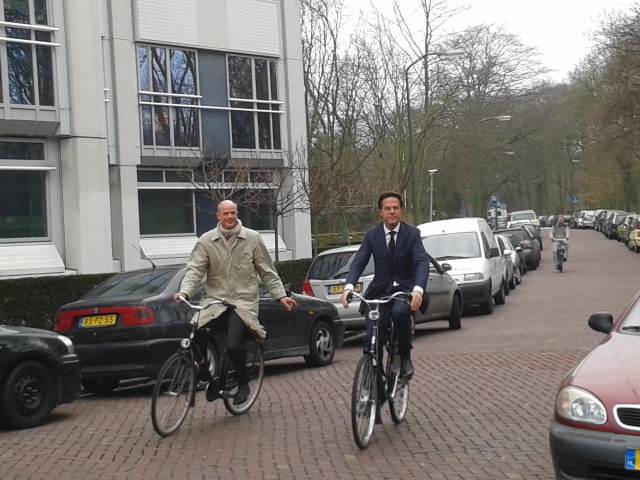 Dutch News Podcast: The You Can Park Your Bike In Our DMs Any Time, Prime Minister Edition