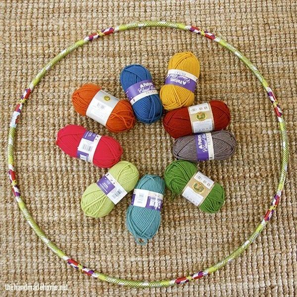 how_to_make_a_giant_yarn_wreath
