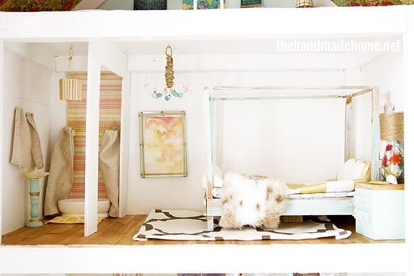 dollhouse_bedroom_and_bathroom