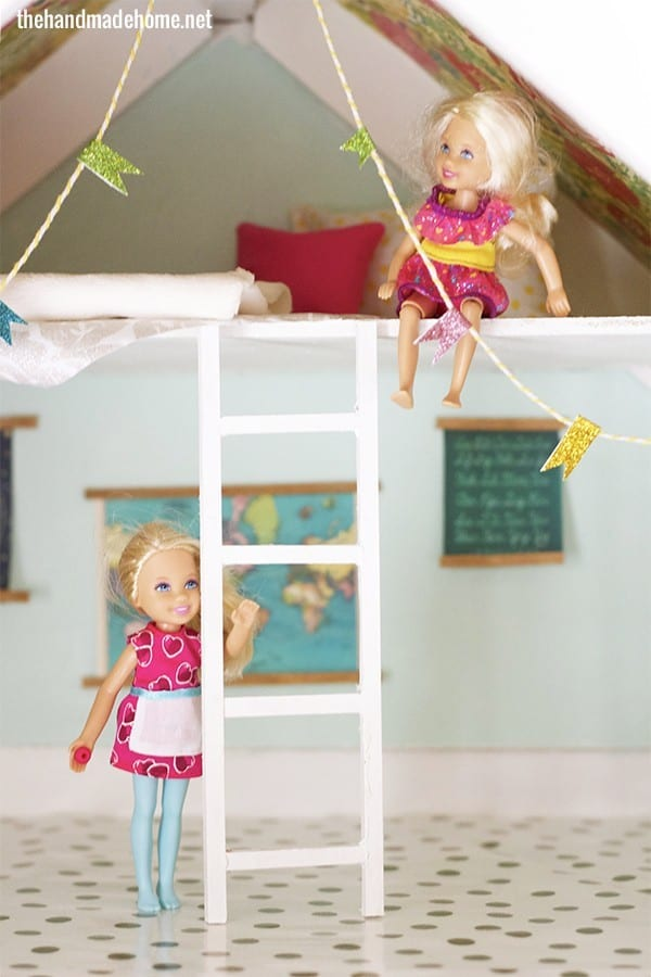 dollhouse_attic