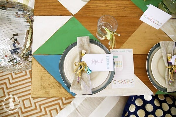 new_years_table_setting