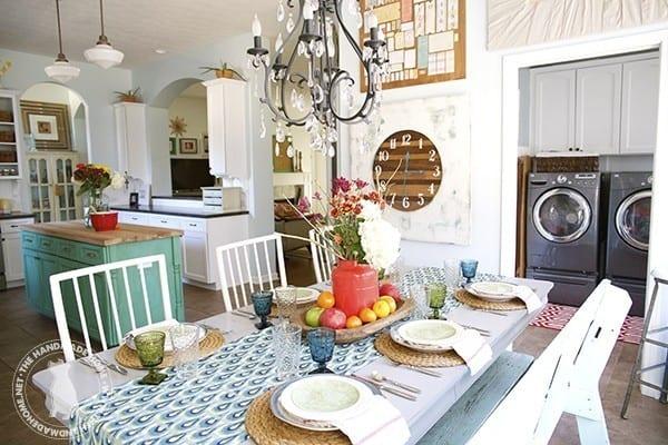bright_farmhouse_kitchen-design