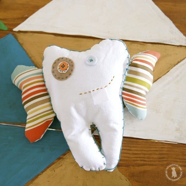 diy_make_your_own_toothfairypillow