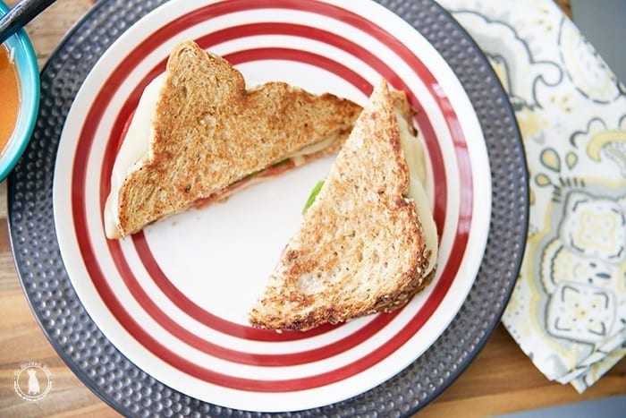 caprese_grilled_cheese