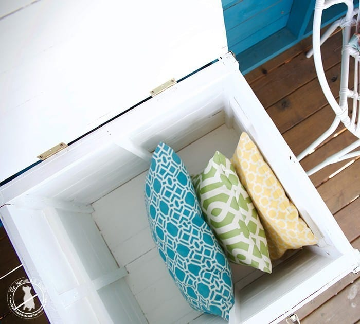 pillow_storage_outdoors