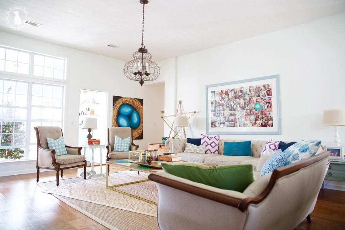 living_room_christmas_the_handmade_home