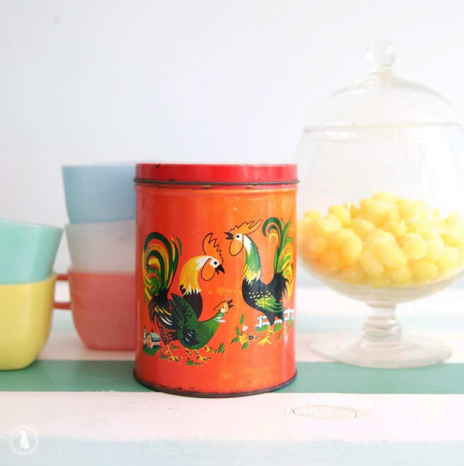 intage_rooster_tin_red