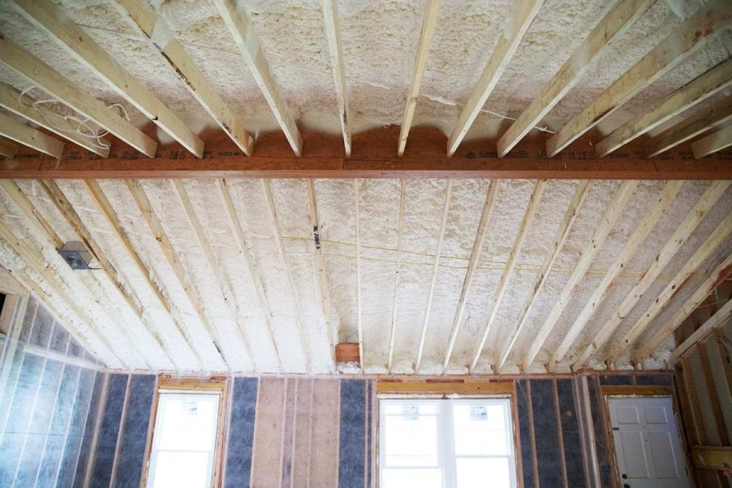 insulation_spray_ceiling