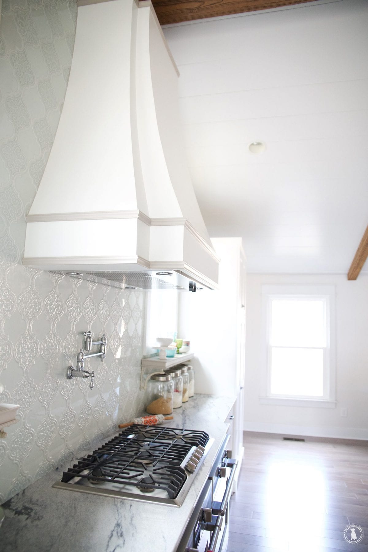 french_hood_marble_countertops