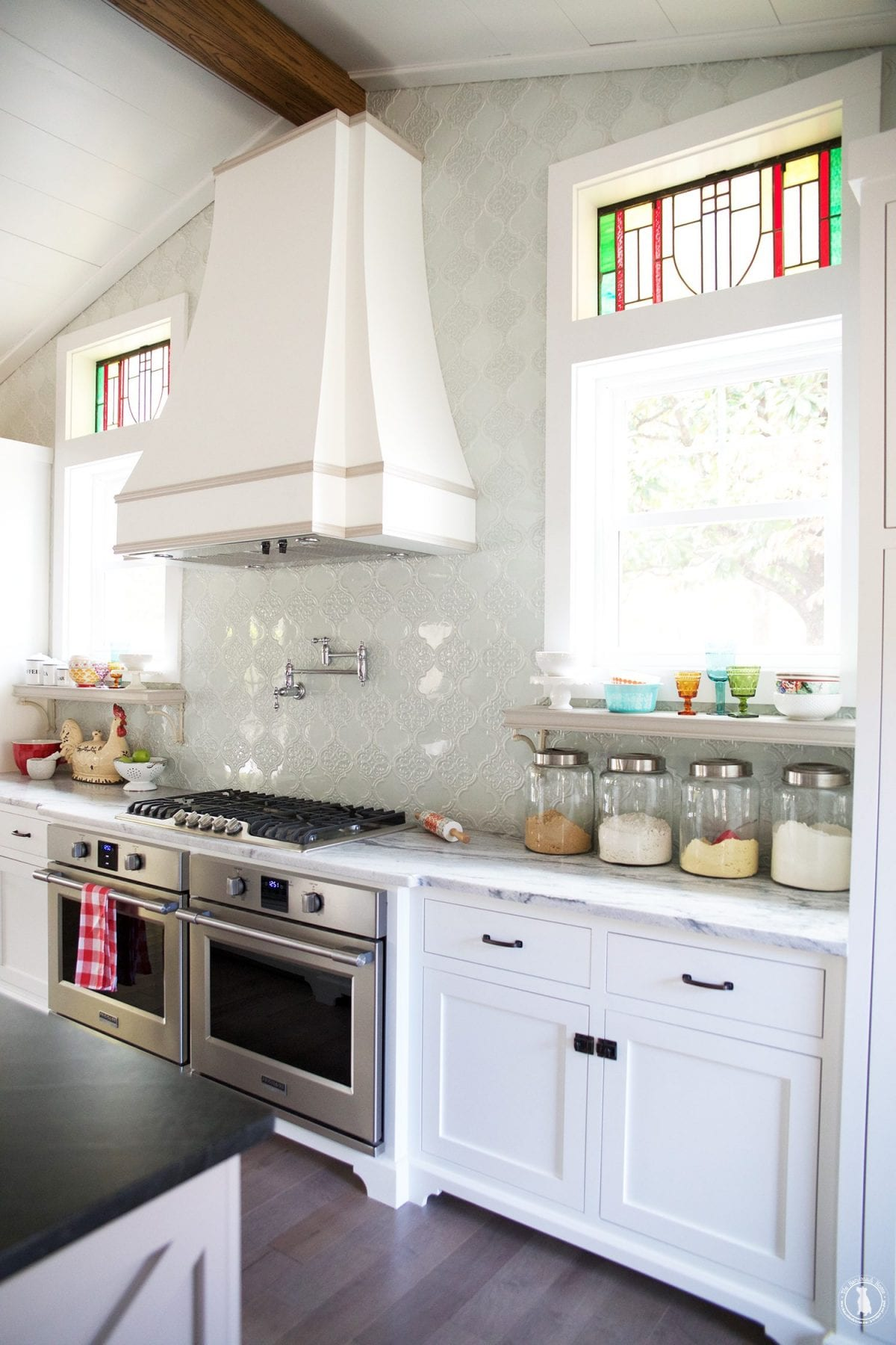 kitchen_stained_glass_window_transoms
